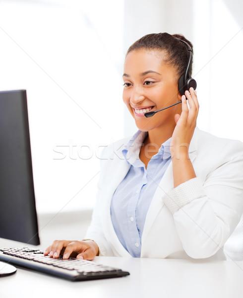 África femenino línea de ayuda operador negocios oficina Foto stock © dolgachov