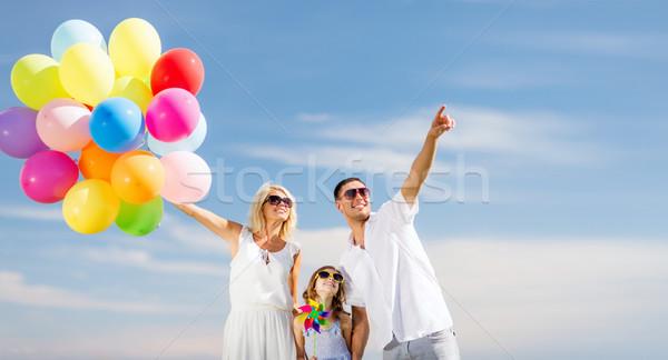 Familia colorido globos verano vacaciones celebración Foto stock © dolgachov