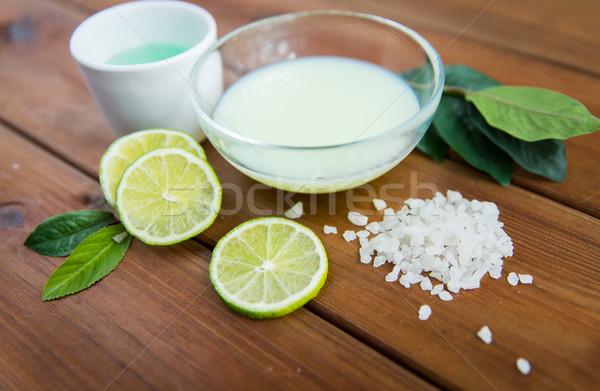 Cuerpo loción crema sal madera Foto stock © dolgachov