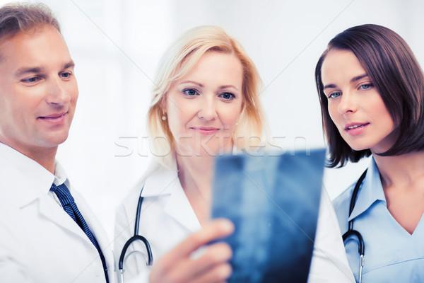 Medici guardando Xray sanitaria medici radiologia Foto d'archivio © dolgachov