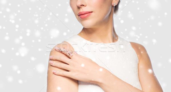 Belle femme anneau boucle Noël vacances Photo stock © dolgachov