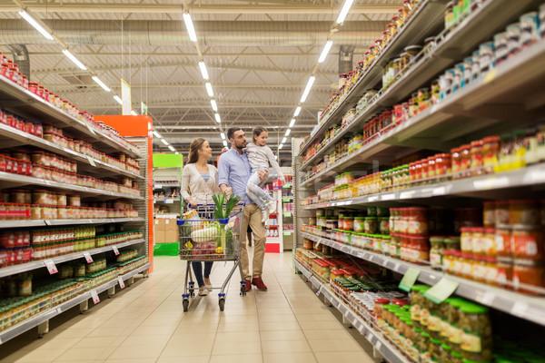 ストックフォト: 家族 · 食品 · ショッピングカート · 販売