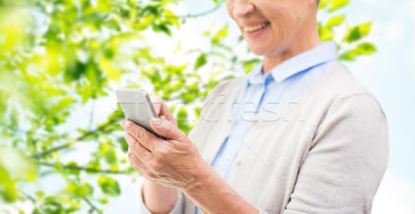 Photo stock: Supérieurs · femme · smartphone · technologie
