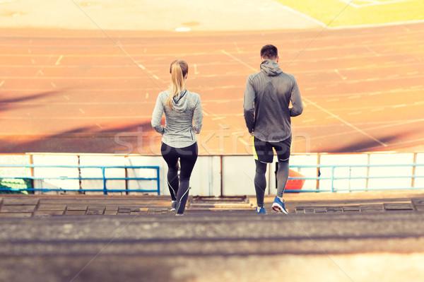 Para uruchomiony stadion fitness sportu Zdjęcia stock © dolgachov
