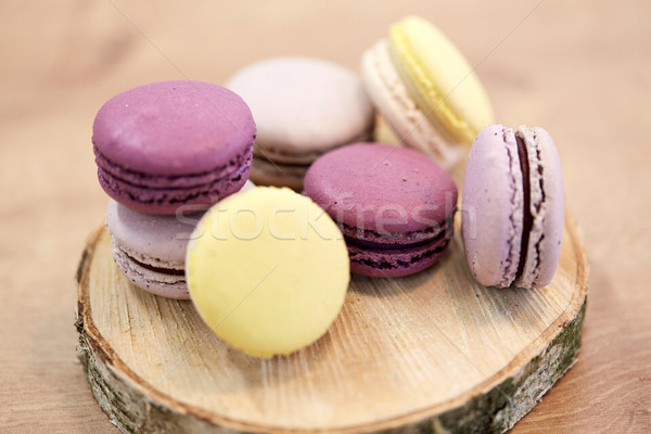 Unterschiedlich macarons Holz stehen Kochen Süßwaren Stock foto © dolgachov