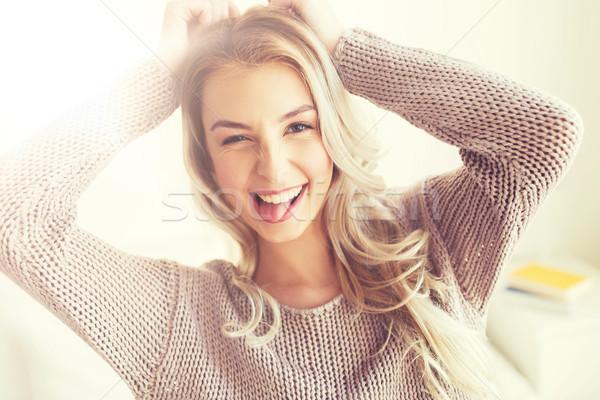 Gelukkig jonge vrouw tienermeisje home mensen Stockfoto © dolgachov