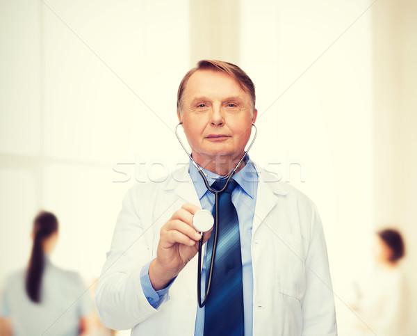 Glimlachend arts hoogleraar stethoscoop gezondheidszorg geneeskunde Stockfoto © dolgachov
