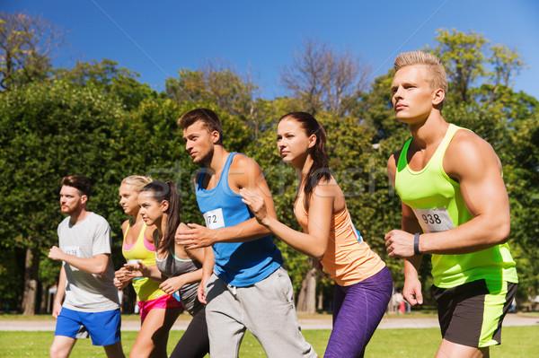 Rozet sayılar başlatmak yarış uygunluk spor Stok fotoğraf © dolgachov