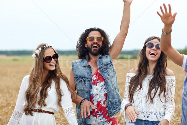 Photo stock: Heureux · jeunes · hippie · amis · danse · céréales
