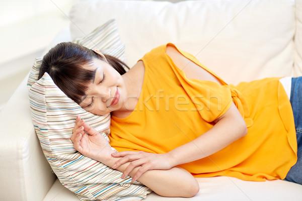 Stok fotoğraf: Mutlu · Asya · genç · kız · uyku · kanepe · ev