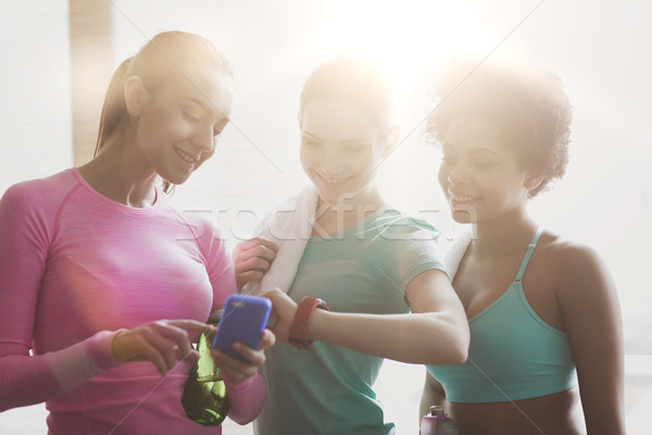 Zdjęcia stock: Szczęśliwy · kobiet · czasu · siłowni