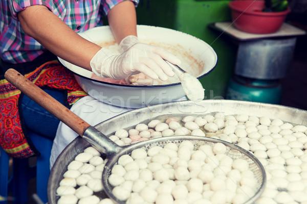 Stock fotó: Közelkép · szakács · húsgombócok · utca · piac · főzés