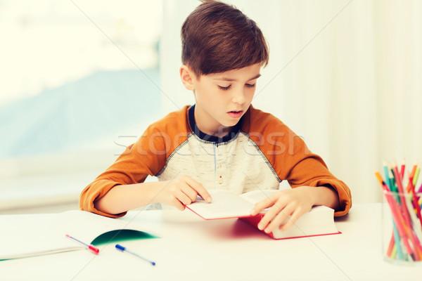 学生 少年 読む 図書 教科書 ホーム ストックフォト © dolgachov