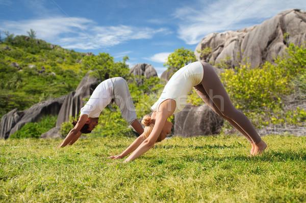 Foto d'archivio: Sorridere · Coppia · yoga · esterna · fitness
