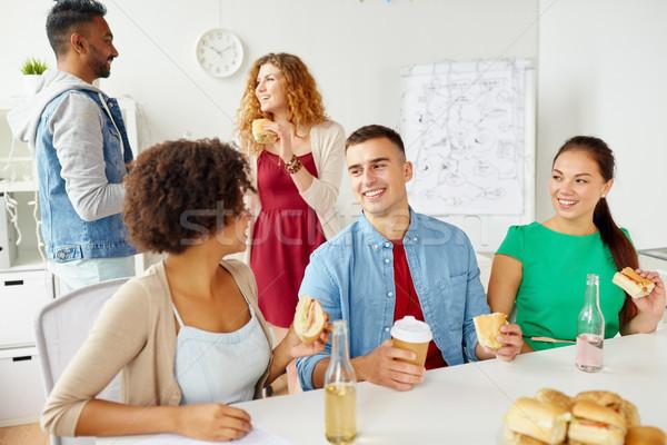 счастливым друзей команда еды служба корпоративного Сток-фото © dolgachov