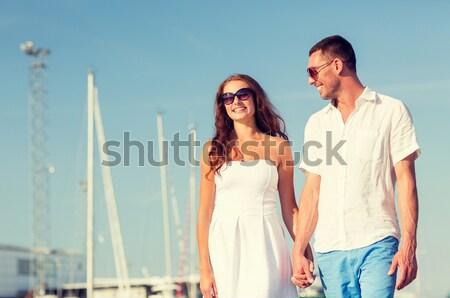 Glimlachend paar stad liefde reizen toerisme Stockfoto © dolgachov