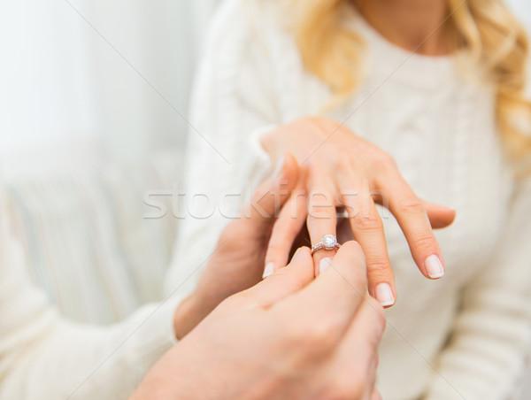 Homme bague en diamant femme amour couple Photo stock © dolgachov
