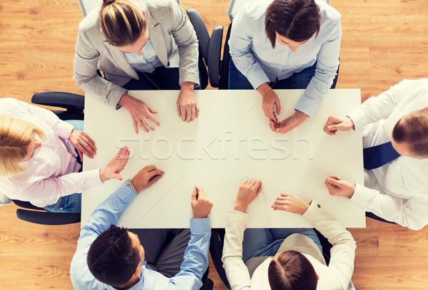 Business-Team Sitzung Tabelle Geschäftsleute Teamarbeit Stock foto © dolgachov