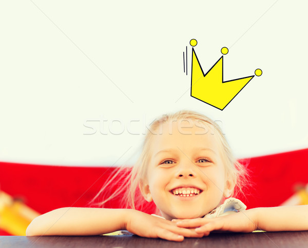 Szczęśliwy dziewczynka wspinaczki dzieci boisko dzieciństwo Zdjęcia stock © dolgachov