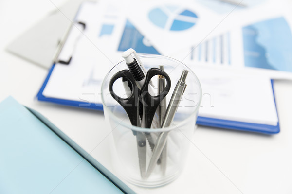 Beker schaar pennen kantoor business Stockfoto © dolgachov