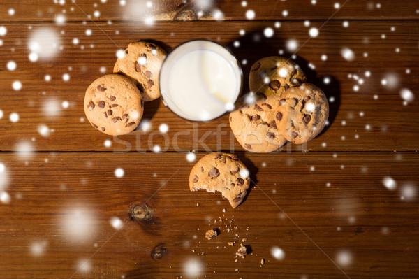 Közelkép zab sütik tej fa asztal sütés Stock fotó © dolgachov