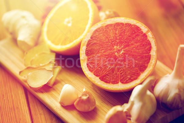 Greyfurt zencefil sarımsak turuncu tahta geleneksel Stok fotoğraf © dolgachov