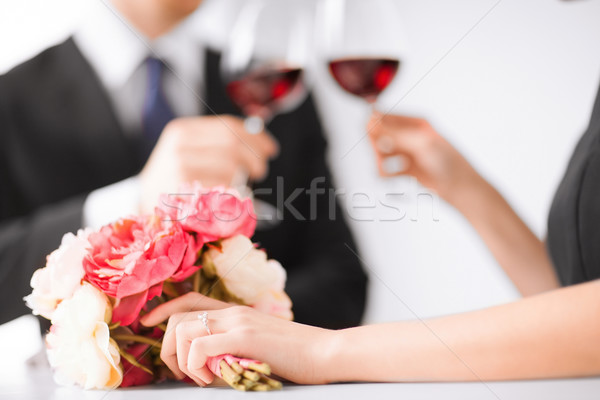 занято пару Бокалы фотография ресторан цветы Сток-фото © dolgachov
