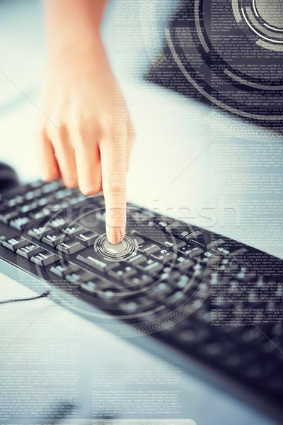 Nő kéz kisajtolás belépés gomb üzlet Stock fotó © dolgachov