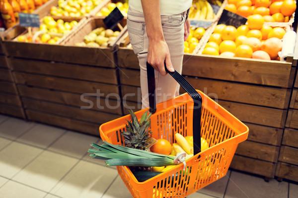 женщину продовольствие корзины рынке продажи Сток-фото © dolgachov