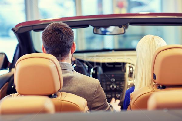 Para posiedzenia kabriolet samochodu auto pokaż Zdjęcia stock © dolgachov