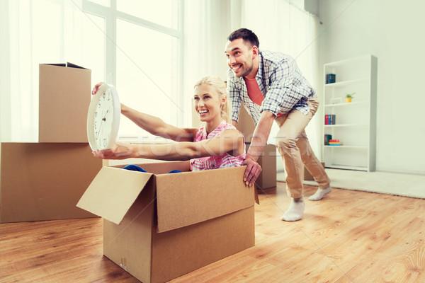 Photo stock: Couple · carton · cases · nouvelle · maison · maison