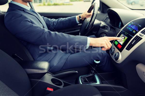 Man rijden auto oproep vervoer Stockfoto © dolgachov