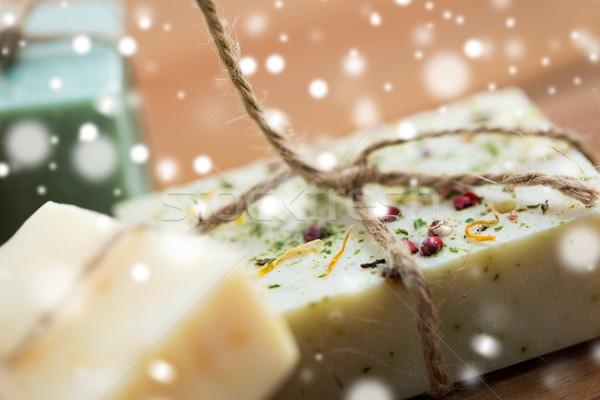 El yapımı sabun çubuklar ahşap Stok fotoğraf © dolgachov