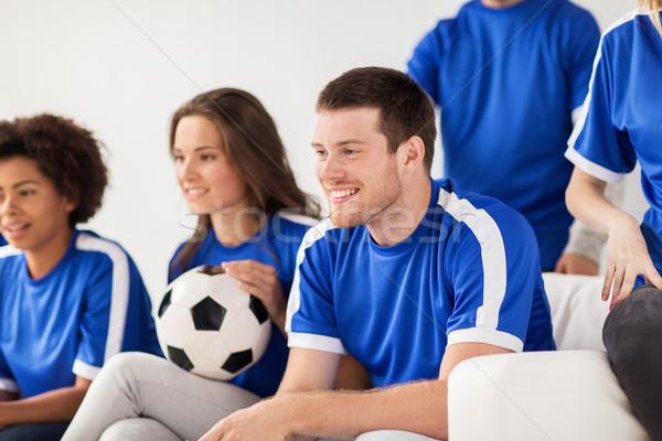Zdjęcia stock: Znajomych · piłka · nożna · fanów · oglądania · piłka · nożna · domu