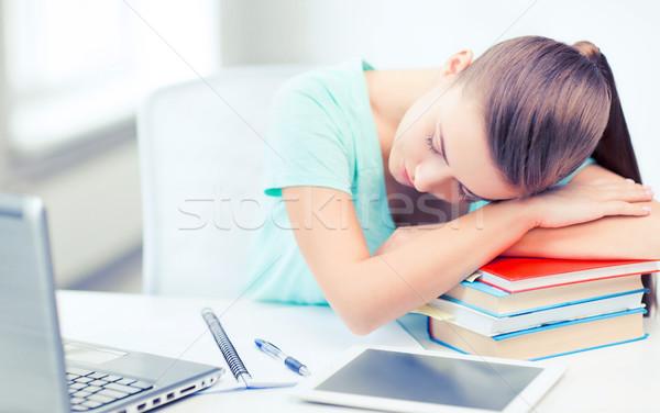 Moe student slapen voorraad boeken onderwijs Stockfoto © dolgachov