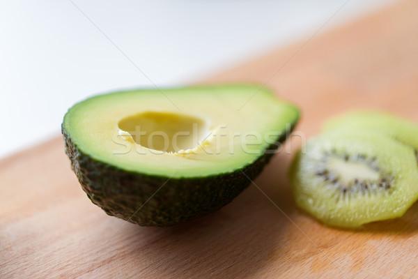 Avocado houten voedsel gezond eten Stockfoto © dolgachov