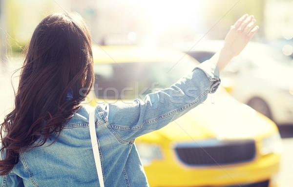 若い女性 少女 タクシー 街 ジェスチャー 交通 ストックフォト © dolgachov