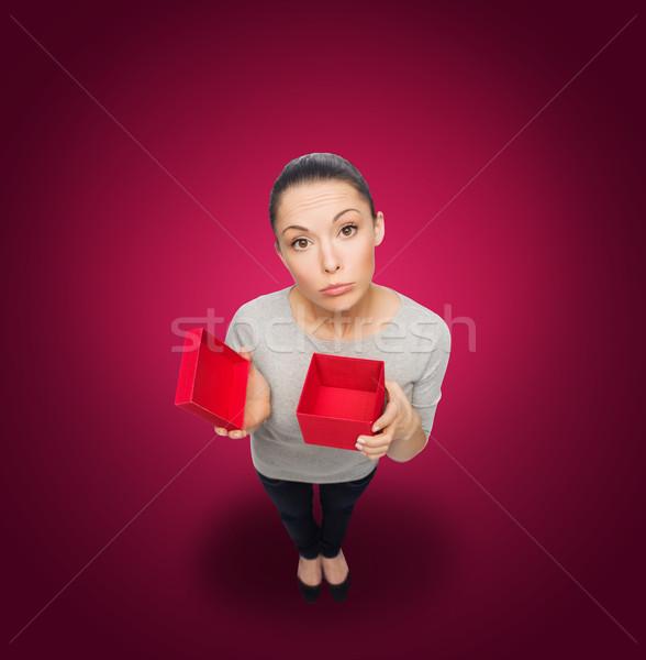 Rozczarowany asian kobieta pusty czerwony szkatułce Zdjęcia stock © dolgachov