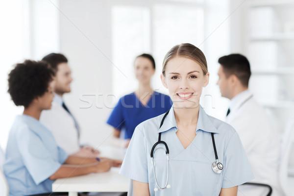 Szczęśliwy lekarza grupy szpitala kliniki zawód Zdjęcia stock © dolgachov