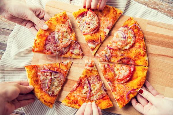 Zdjęcia stock: Ręce · domowej · roboty · pizza · żywności · włoski