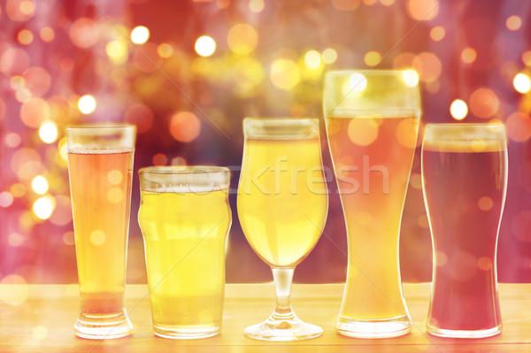 Közelkép különböző szemüveg asztal sörfőzde italok Stock fotó © dolgachov