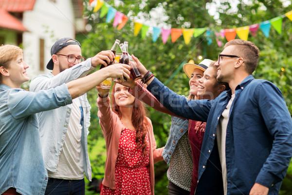 Boldog barátok szemüveg nyár kert szabadidő Stock fotó © dolgachov