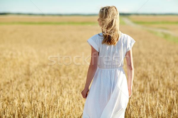 Stockfoto: Jonge · vrouw · witte · jurk · granen · veld · geluk · natuur