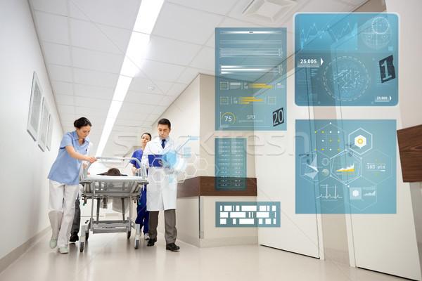 Beteg kórház vészhelyzet emberek egészségügy gyógyszer Stock fotó © dolgachov