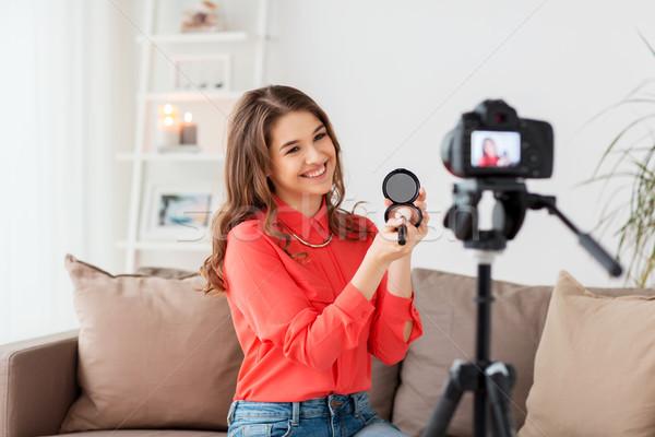Mulher câmera vídeo blogging tecnologia make-up Foto stock © dolgachov