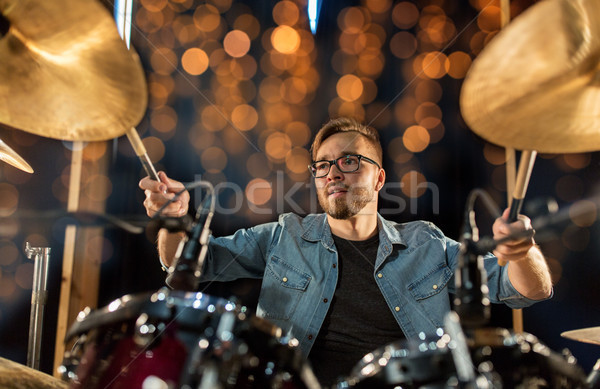 Zenész játszik dob készlet koncert fények Stock fotó © dolgachov