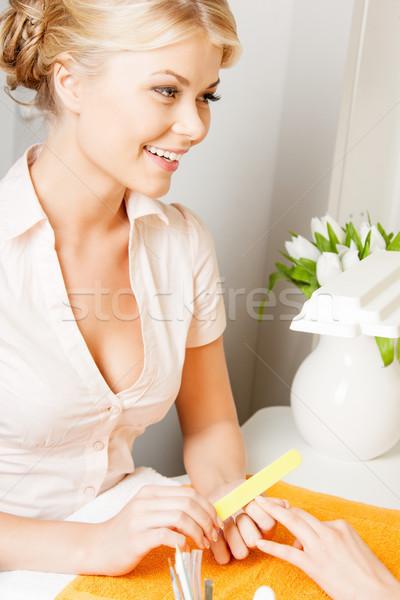 Nő manikűr szalon vonzó nő boldog pihen Stock fotó © dolgachov