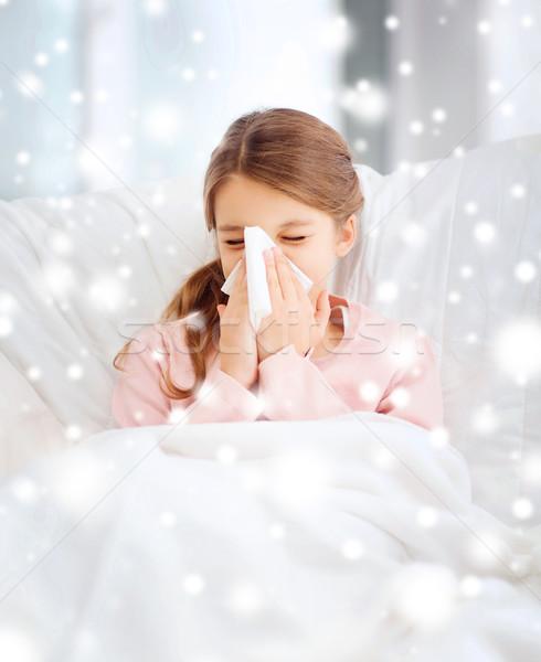 Beteg lány papír papírzsebkendő egészségügy gyógyszer Stock fotó © dolgachov