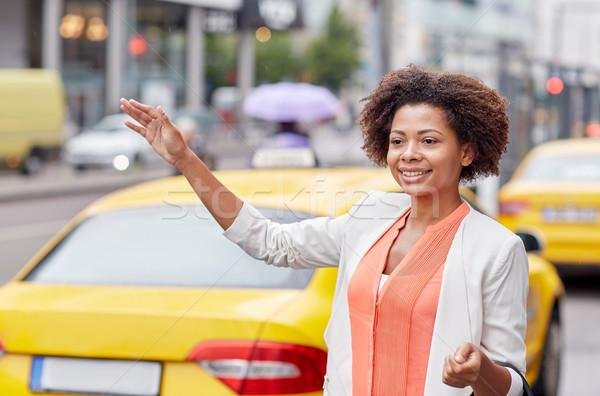 Feliz África mujer taxi viaje de negocios transporte Foto stock © dolgachov