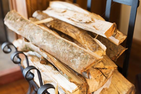 Yakacak odun durmak ev ısıtma Stok fotoğraf © dolgachov